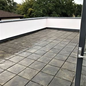 Flagging project on London Roof
